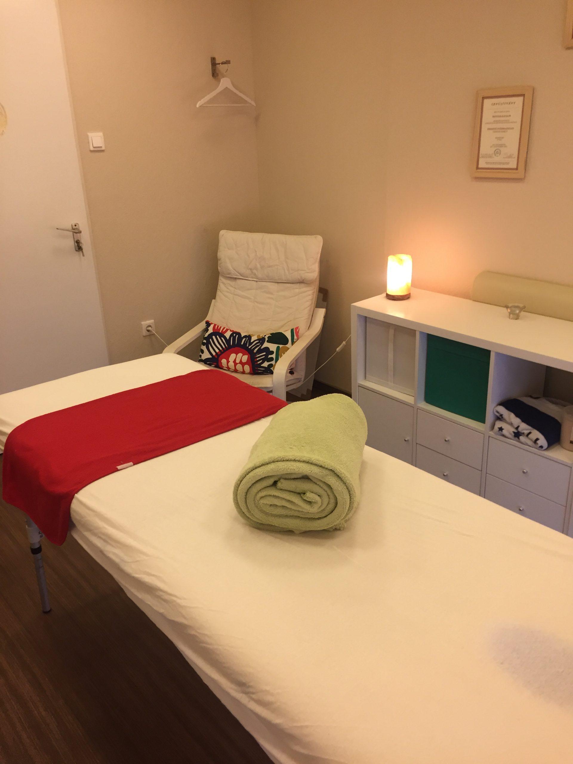 Therapy Massage Jászai Mari tér Evminov masszázs ágy